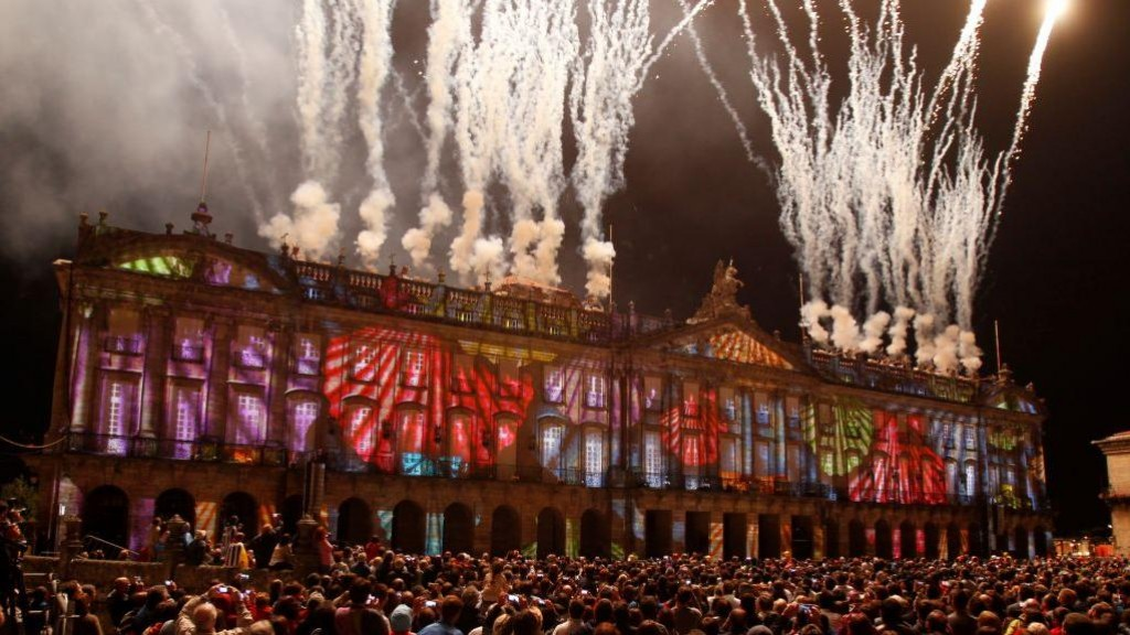 Enjoy the incredible Apostol's fireworks of Santiago's festivities with Hotel Scala